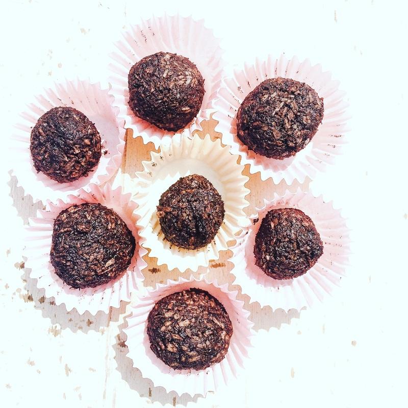Čokoládovo kokosové raw guličky