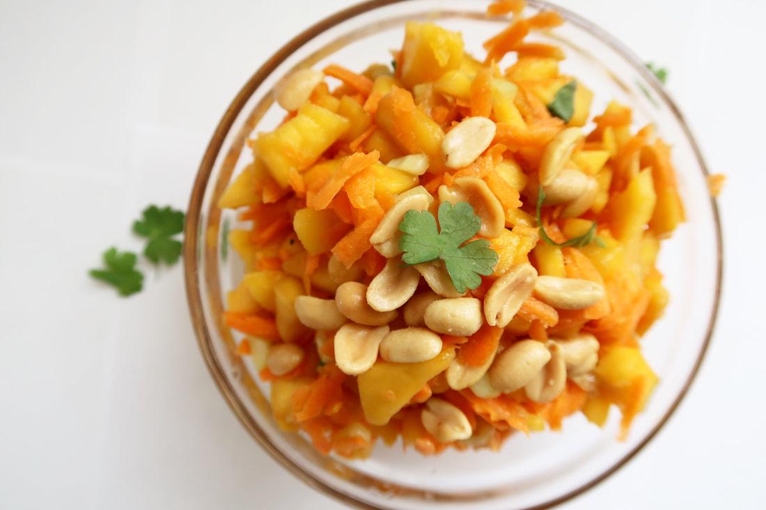 Vegan mangový šalát s mrkvou