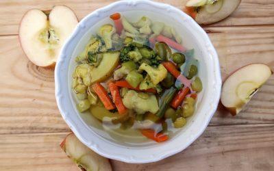 Vegan zelinová polievka s jabĺčkom