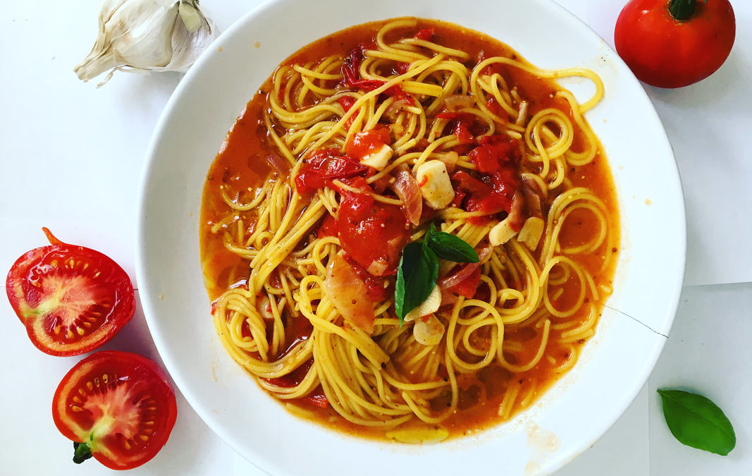 Vegan špagety s rajčinovou omáčkou